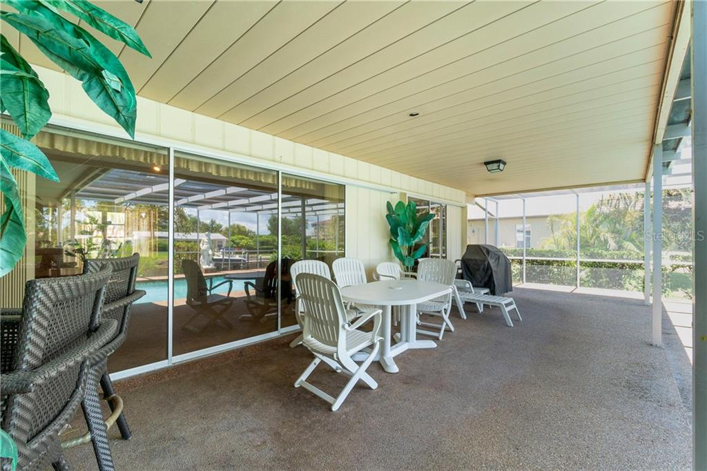Large lanai/deck - Single Family Home for sale at 359 Renoir Dr, Osprey, FL 34229 - MLS Number is N6106429
