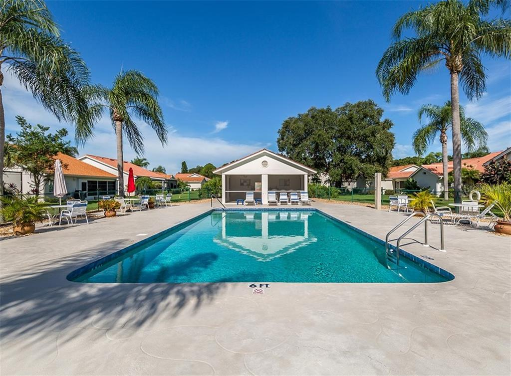 Community pool - Single Family Home for sale at 4822 Limetree Ln, Venice, FL 34293 - MLS Number is N6106780