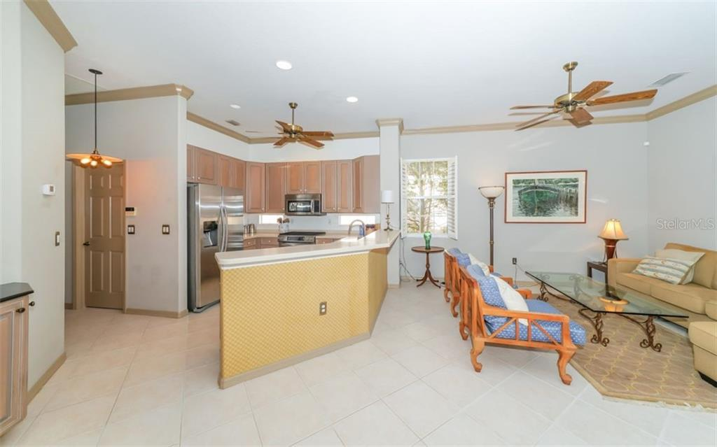 Kitchen, great room - Single Family Home for sale at 226 Rio Terra, Venice, FL 34285 - MLS Number is N6107320