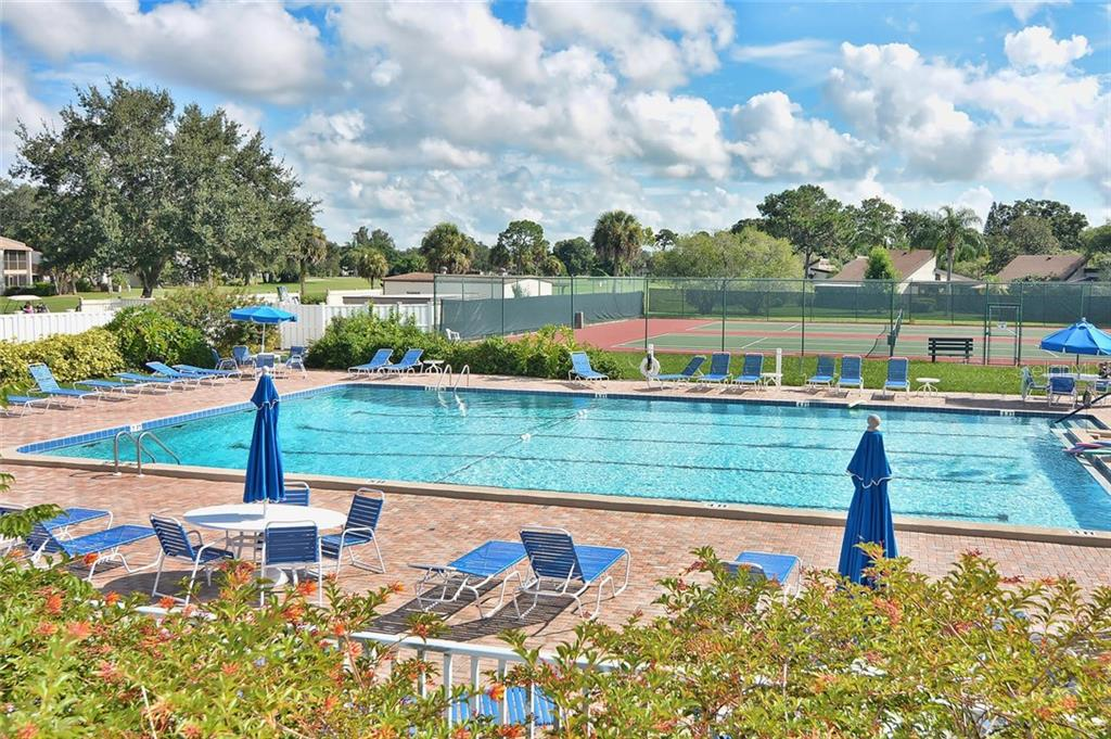 Community pool - Condo for sale at 626 Bird Bay Dr S #104, Venice, FL 34285 - MLS Number is N6107935