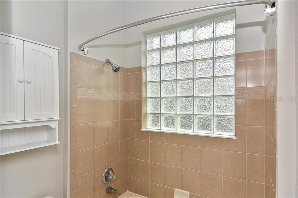 Bathroom - Single Family Home for sale at 193 Medici Ter, North Venice, FL 34275 - MLS Number is N6110365