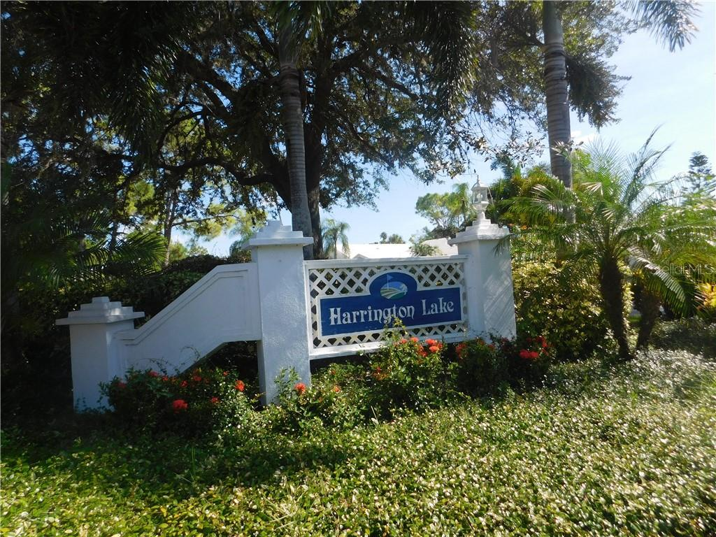 Harrington Lake Entrance - Villa for sale at 743 Harrington Lake Dr N #29, Venice, FL 34293 - MLS Number is N6111290
