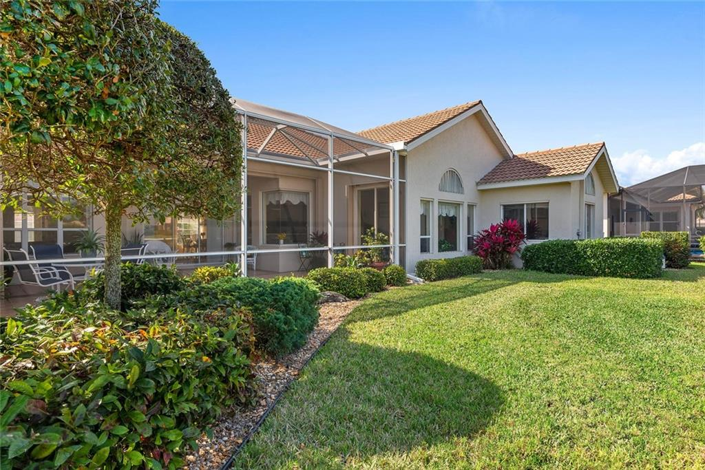 Rear exterior - Single Family Home for sale at 886 Macaw Cir, Venice, FL 34285 - MLS Number is N6111692