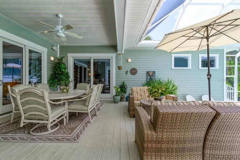 Lanai - Single Family Home for sale at 725 Eagle Point Dr, Venice, FL 34285 - MLS Number is N6111842