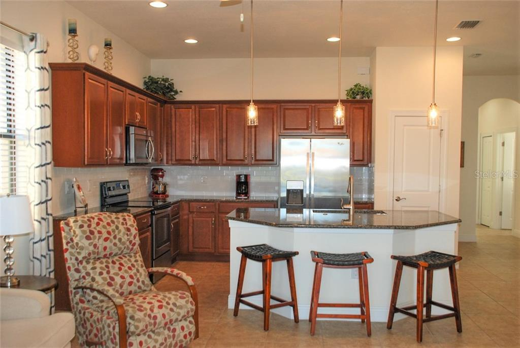 Kitchen - Single Family Home for sale at 10424 Crooked Creek Dr, Venice, FL 34293 - MLS Number is N6112285