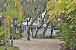 732 Eagle Point Dr, Venice, FL 34285