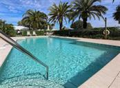 Community Pool - Single Family Home for sale at 525 Fallbrook Dr, Venice, FL 34292 - MLS Number is N6100426