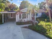 Single Family Home for sale at 405 Dona Dr, Nokomis, FL 34275 - MLS Number is N6102165