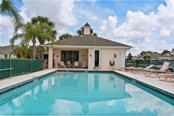 Community pool - Villa for sale at 1708 Fountain View Cir, Venice, FL 34292 - MLS Number is N6106422