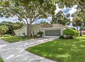 Garage - Single Family Home for sale at 521 Waterwood Ln, Venice, FL 34293 - MLS Number is N6107048
