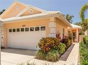 Walkway to entrance - Villa for sale at 1244 Berkshire Cir, Venice, FL 34292 - MLS Number is N6110278