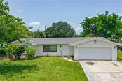 Single Family Home for sale at 612 Porpoise Rd, Venice, FL 34293 - MLS Number is N6111539