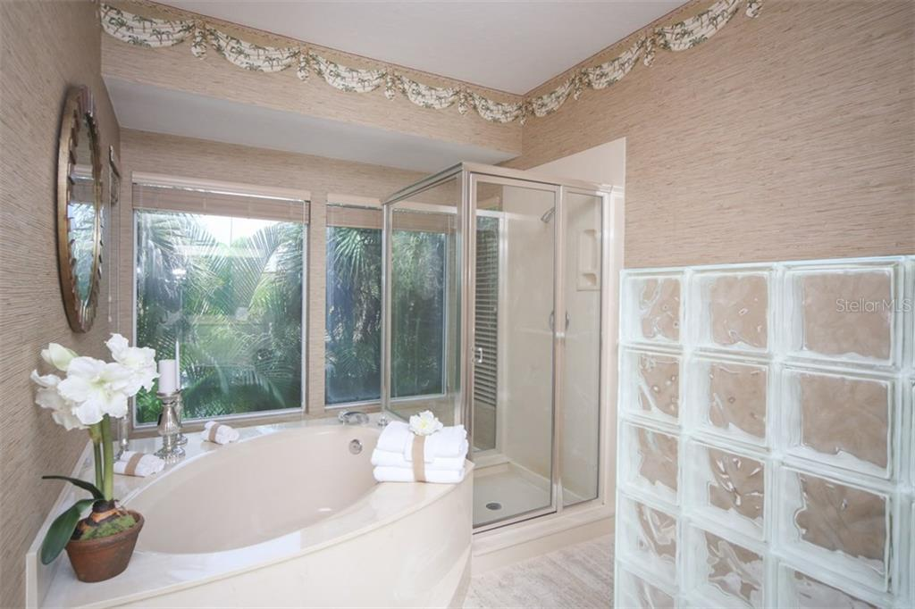 Additional photo for property listing at 1850 Bayshore Dr 1850 Bayshore Dr Englewood, 佛羅里達州,34223 美國
