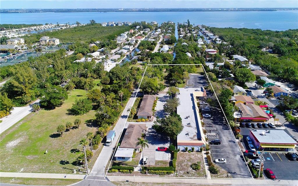 Additional photo for property listing at 5610 & 5620 Gulf Of Mexico Dr #1 5610 & 5620 Gulf Of Mexico Dr #1 Longboat Key, Флорида,34228 Соединенные Штаты