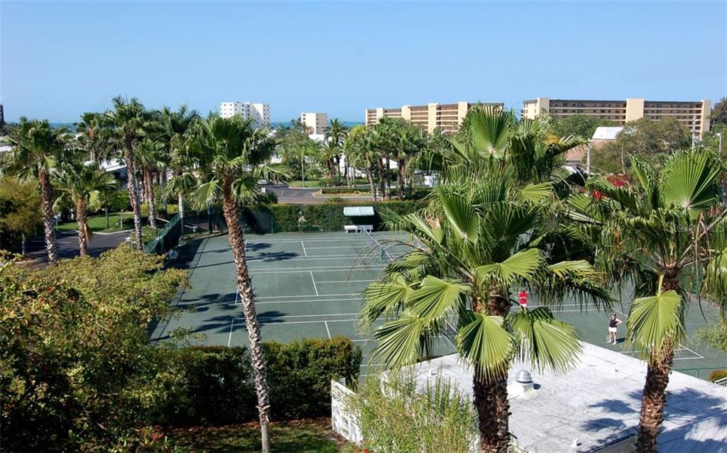 Community tennis courts - Condo for sale at 1260 Dolphin Bay Way #401, Sarasota, FL 34242 - MLS Number is A4173008