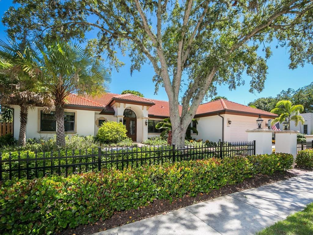 Single Family Home for sale at 1836 Clematis St, Sarasota, FL 34239 - MLS Number is A4189021