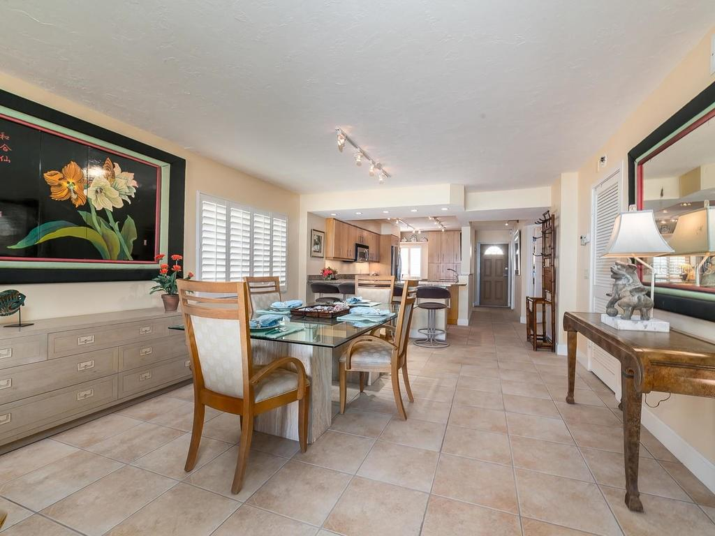 There is room to entertain - Condo for sale at 20 Whispering Sands Dr #301, Sarasota, FL 34242 - MLS Number is A4190302