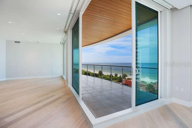 Additional photo for property listing at 2251 Gulf Of Mexico #504 2251 Gulf Of Mexico #504 Longboat Key, Florida,34228 Vereinigte Staaten