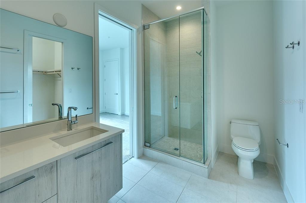 Master Bath With Two Sinks   Townhouse For Sale At 626 S Rawls Ave, Sarasota
