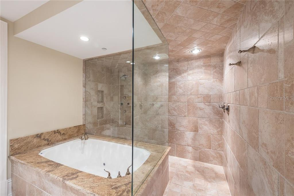 Jacuzzi/Dual Shower Heads & Heat Lamp - Single Family Home for sale at 39 Tidy Island Blvd, Bradenton, FL 34210 - MLS Number is A4202735
