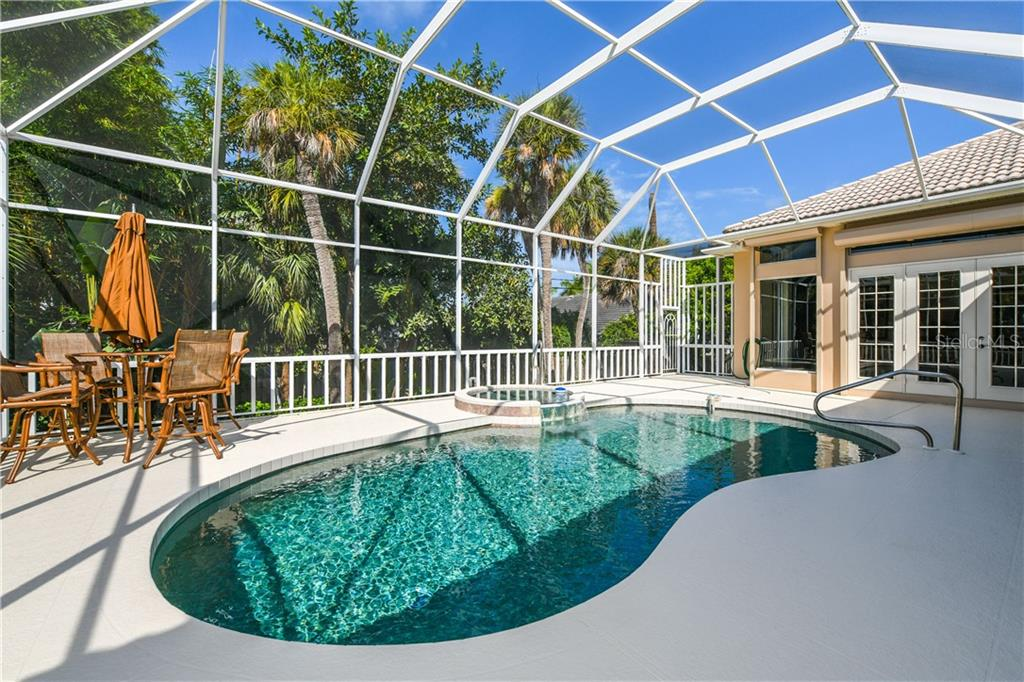 Single Family Home for sale at 121 N Boulevard Of Presidents, Sarasota, FL 34236 - MLS Number is A4215160