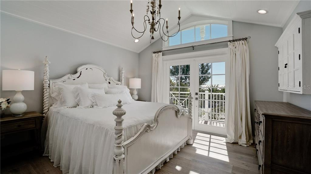 Master Bedroom - Single Family Home for sale at 720 North Shore Dr, Anna Maria, FL 34216 - MLS Number is A4428062