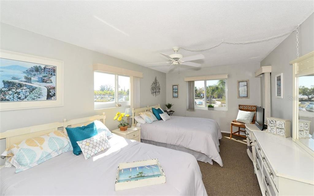 Master Bedroom. - Condo for sale at 797 Beach Rd #215, Sarasota, FL 34242 - MLS Number is A4430524