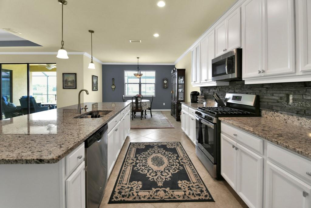 Kitchen - Single Family Home for sale at 2937 Desert Plain Cv, Lakewood Ranch, FL 34211 - MLS Number is A4431016