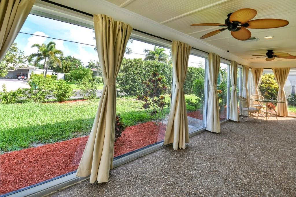 Lanai West to East - Villa for sale at 717 Spanish Dr N, Longboat Key, FL 34228 - MLS Number is A4438337