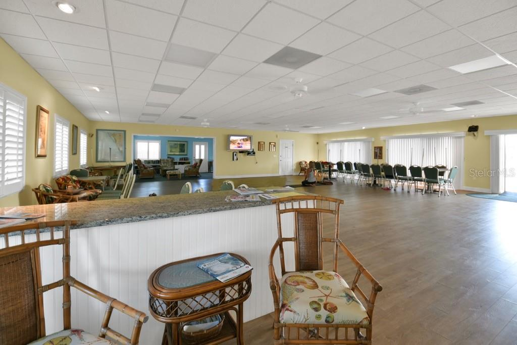 Spanish Main Yacht Club clubhouse - Villa for sale at 717 Spanish Dr N, Longboat Key, FL 34228 - MLS Number is A4438337