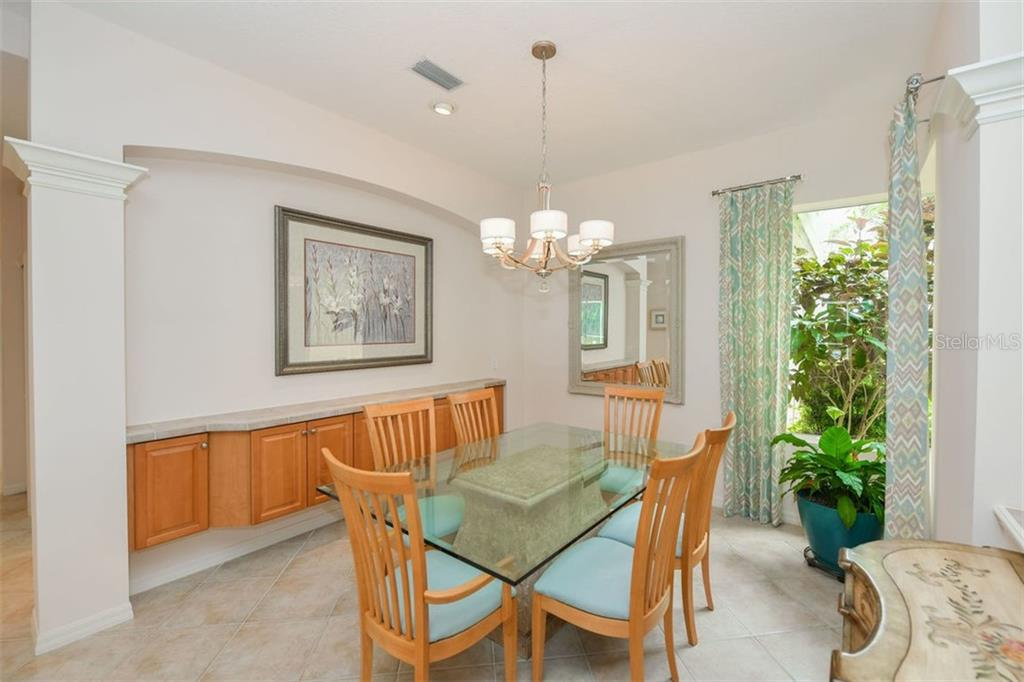 HOA Disclosure - Single Family Home for sale at 6906 Treymore Ct, Sarasota, FL 34243 - MLS Number is A4443147