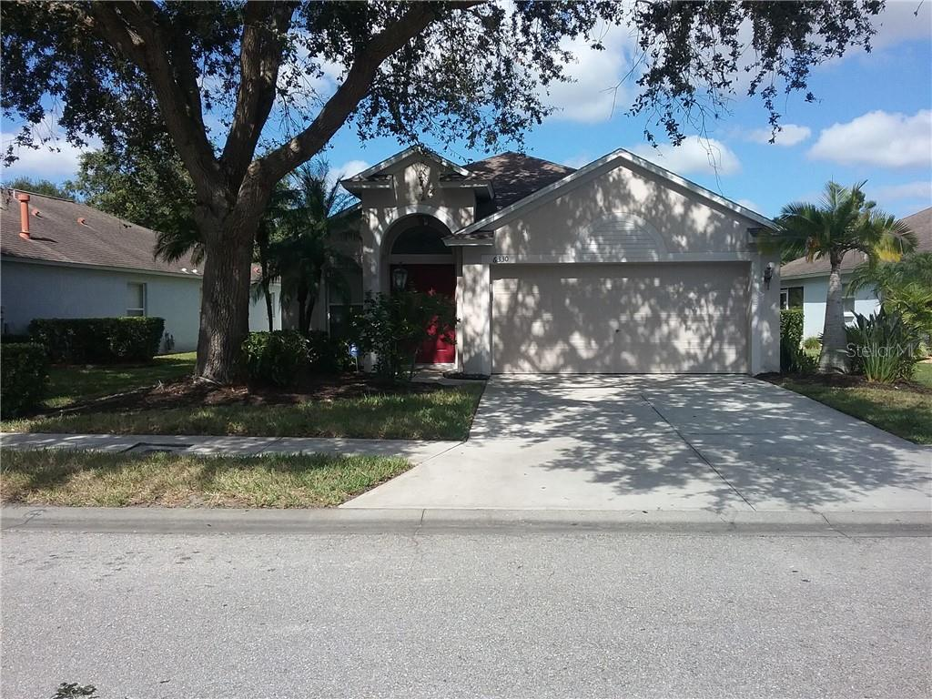 Single Family Home for sale at 6330 Yellowtop Dr, Lakewood Ranch, FL 34202 - MLS Number is A4448636