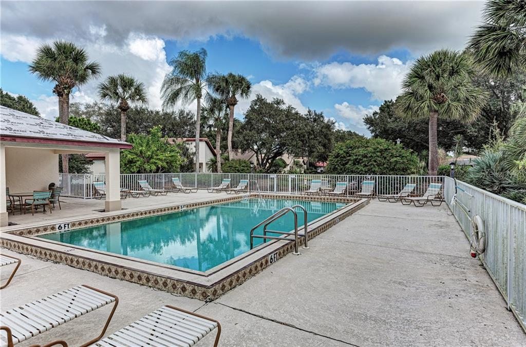 Community Pool - Single Family Home for sale at 2980 Heather Bow, Sarasota, FL 34235 - MLS Number is A4450964