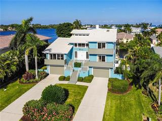 611 N Point Dr, Holmes Beach, FL 34217