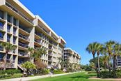 1145 Gulf Of Mexico Dr #305, Longboat Key, FL 34228