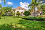 8334 Grosvenor Ct, University Park, FL 34201