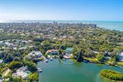 711 Mangrove Point Rd, Sarasota, FL 34242