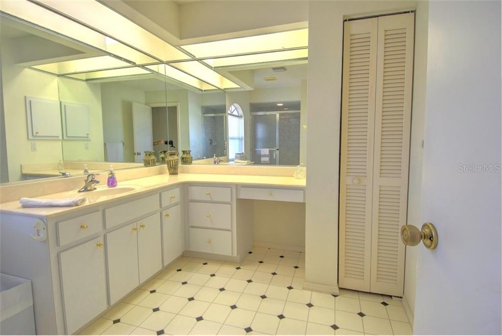 Master Bathroom - Single Family Home for sale at 4884 Jacaranda Heights Dr, Venice, FL 34293 - MLS Number is N6105548