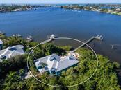 735 Eagle Point Dr, Venice, FL 34285